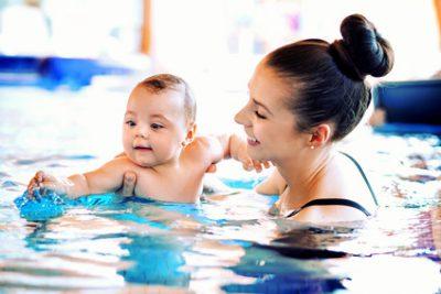 Schwimmen Eltern mit Babys beim VGSU